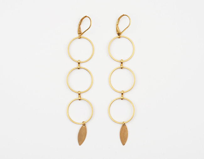Three circle gold earrings