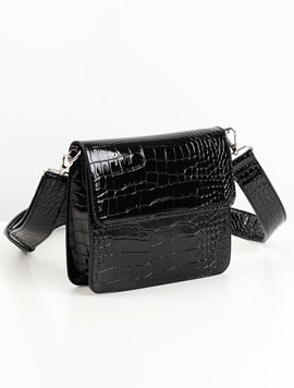 Hvisk Cayman Shiny Strap Bag black 스트랩크로스백
